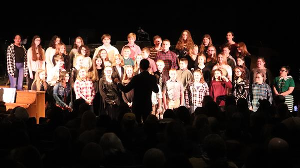 APW Junior/Senior High School puts on Holiday Concert